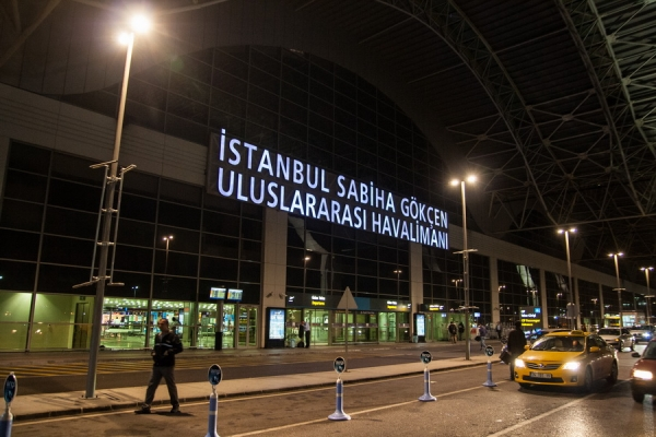 how to get from sabiha airport to istanbul